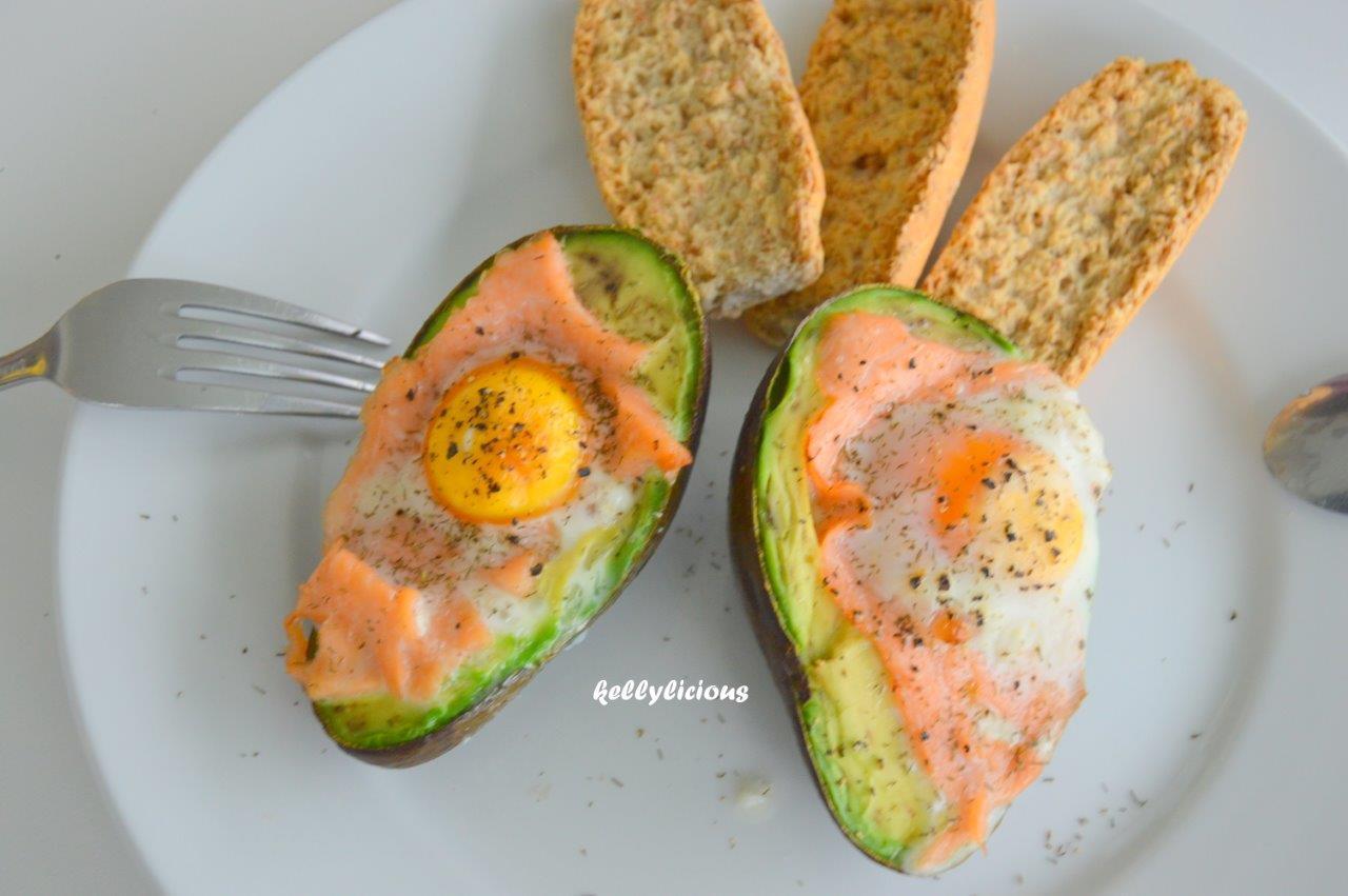 Photo of Avocado met zalm, ei en toast