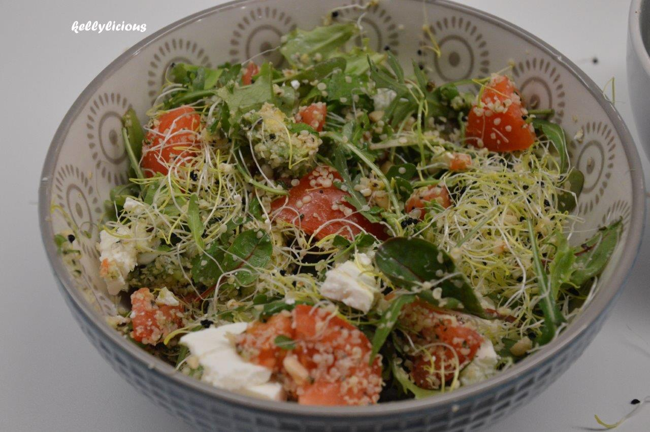 Photo of Groene bladgroentensalade met hennepzaad
