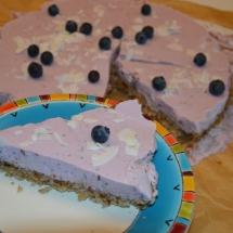 rauwe taart met bosbessen