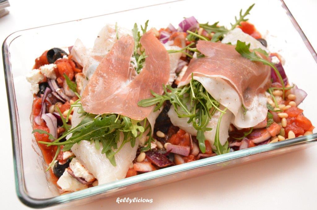 Photo of Kabeljauw met parmaham op Italiaanse groentemix