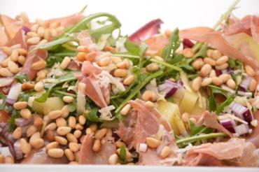 salade rauwe ham met meloen