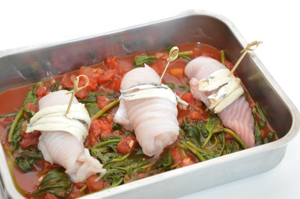 Photo of Stoofpotje van rog met spinazie en tomaat